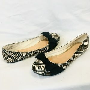 American Eagle Flats with bow size 9.5